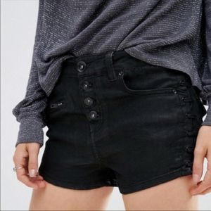 Free People / Black Side  Lace Denim shorts